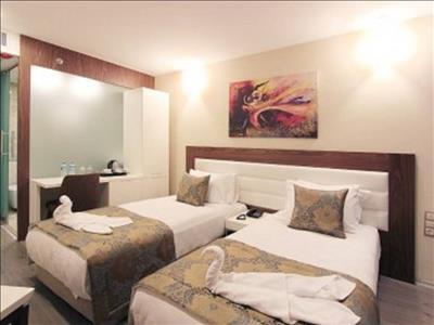 Forum Suite Hotel