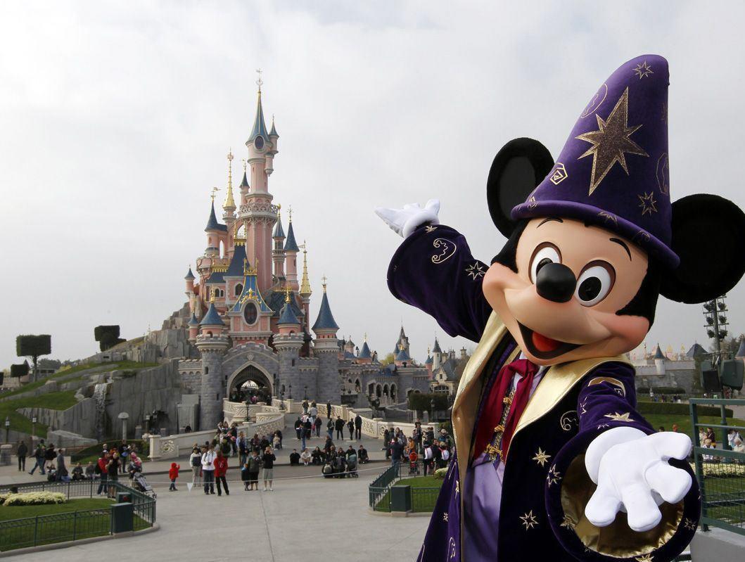 Paris-Disneyland (Türk Hava Yolları Tarifeli Seferi ile)
