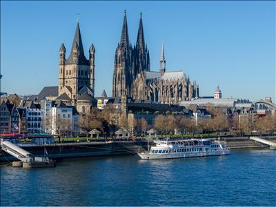 Benelüx & Romantik Almanya & Fransa Turu Perşembe Gidiş AMS-AMS