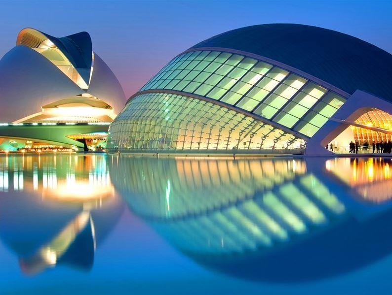 BÜYÜK VE YENİ İSPANYA TURU PEGASUS HAVAYOLLARI İLE OCAK - ARALIK ARASI (2021) MADRİD - BARCELONA