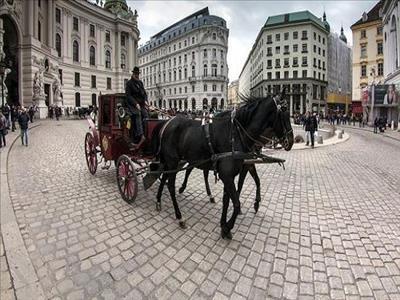 23 Nisan Dönemi Budapeşte Prag Viyana Turu Pegasus Havayolları İle (Viyana Gidiş-Viyana Dönüş)