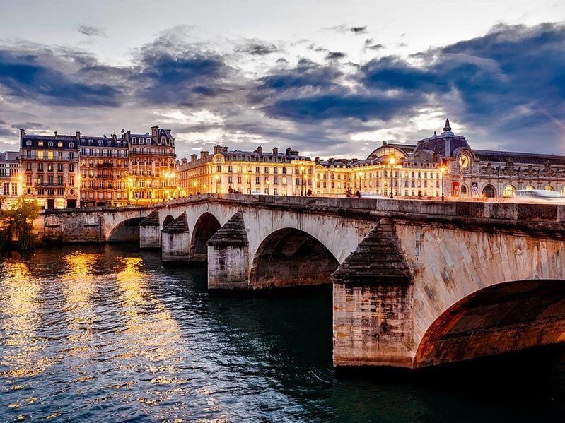 İtalya Ve Fransa İkonları Turu Pegasus Hava Yolları İle (Paris Gidiş-Roma Dönüş)
