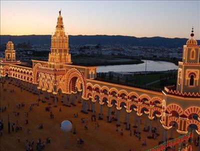 BÜYÜK VE YENİ İSPANYA TURU PEGASUS HAVAYOLLARI İLE OCAK - ARALIK ARASI (2021) BARCELONA - MADRİD