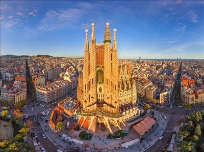 Barcelona Turu Pegasus Hava Yolları İle 2019 Sömestre Ve Kış Dönemi