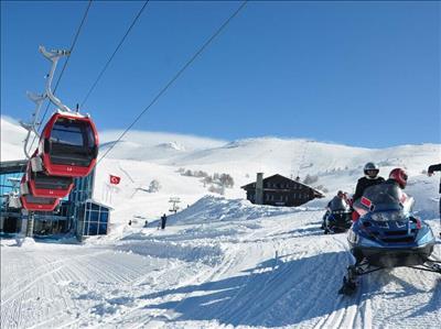 Hergün Kesin Hareketli Uludağ Kayak Turu Günübirlik