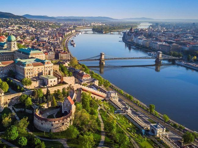 Ara Tatil Prag & Viyana & Budapeşte Turu Türk Havayolları İle (Prag Gidiş-Budapeşte Dönüş)