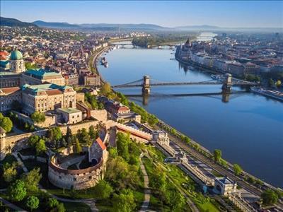 Prag & Viyana & Budapeşte Turu Türk Havayolları İle (Prag Gidiş-Budapeşte Dönüş)