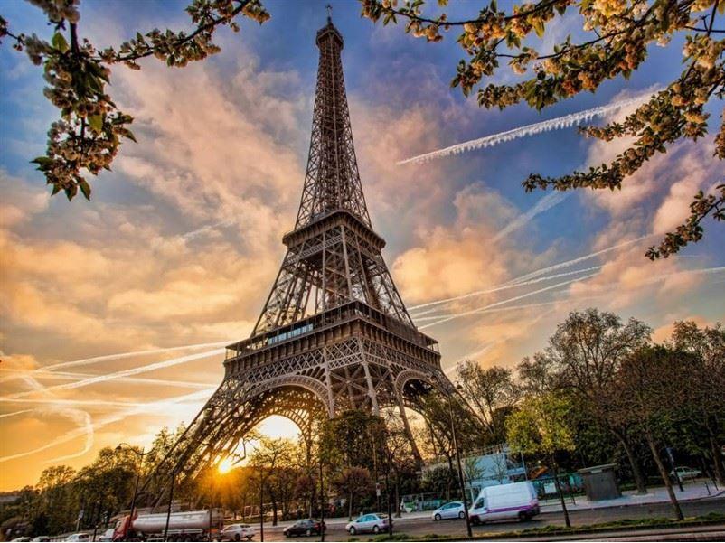 Büyük Ve Yeni Benelüx Paris (Perşembe Gidiş – Perşembe Dönüş) 7 Gece 8 Gün