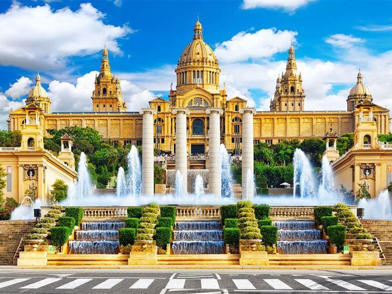 Kurban Bayramı Dönemi Büyük İspanya Turu Pegasus Havayolları İle (Barselona Gidiş-Madrid Dönüş)