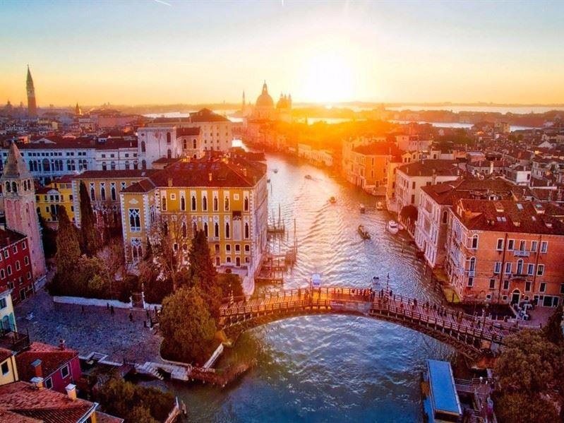 NEO KLASİK İTALYA Pegasus Havayolları ile (Roma Gidiş – Venedik Dönüş) 03 Kasım 2019 Hareket