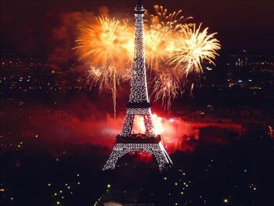 PARİS-DİSNEYLAND TURU PEGASUS HAVA YOLLARI İLE NİSAN - AĞUSTOS ARASI