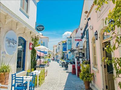 İzmir - Çeşme - Alaçatı - Şirince - Efes Turu