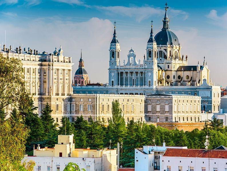 BARCELONA & VALENCIA & MADRID TURU PEGASUS HAVAYOLLARI İLE