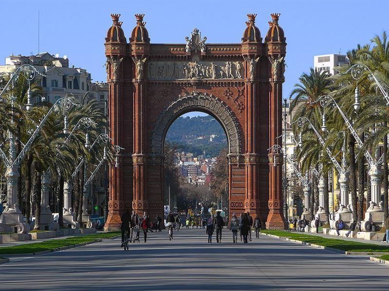 Barcelona Turu  Atlas Havayolları  Özel Seferi İle İlkbahar Dönemi (Zaragoga Gidiş/Dönüş)