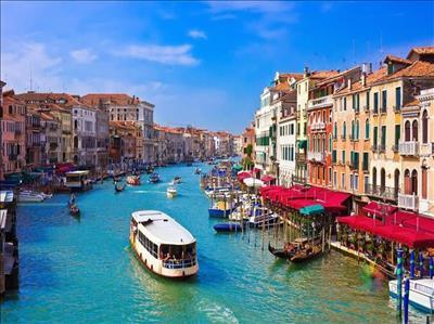 Şeker Bayramı Dönemi Klasik İtalya Turu Türk Havayolları İle (Milano Gidiş-Roma Dönüş)