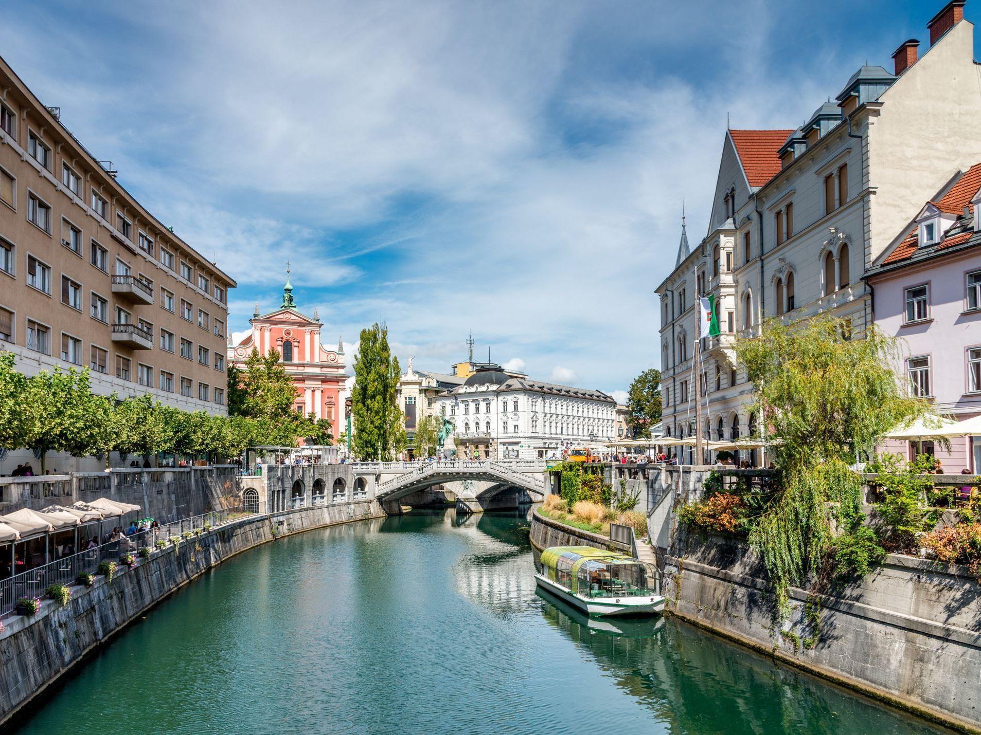 Kurban Bayramı Avrupa Karması Turu Pegasus Havayolları İle (Bergamo Gidiş-Bergamo Dönüş)
