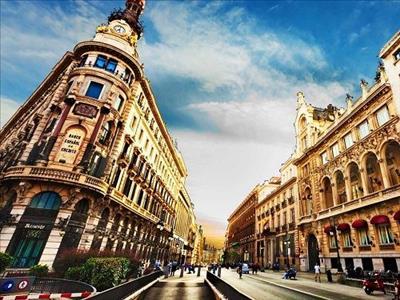 Barselona Turu Pegasus İle (Barselona Gidiş-Dönüş)