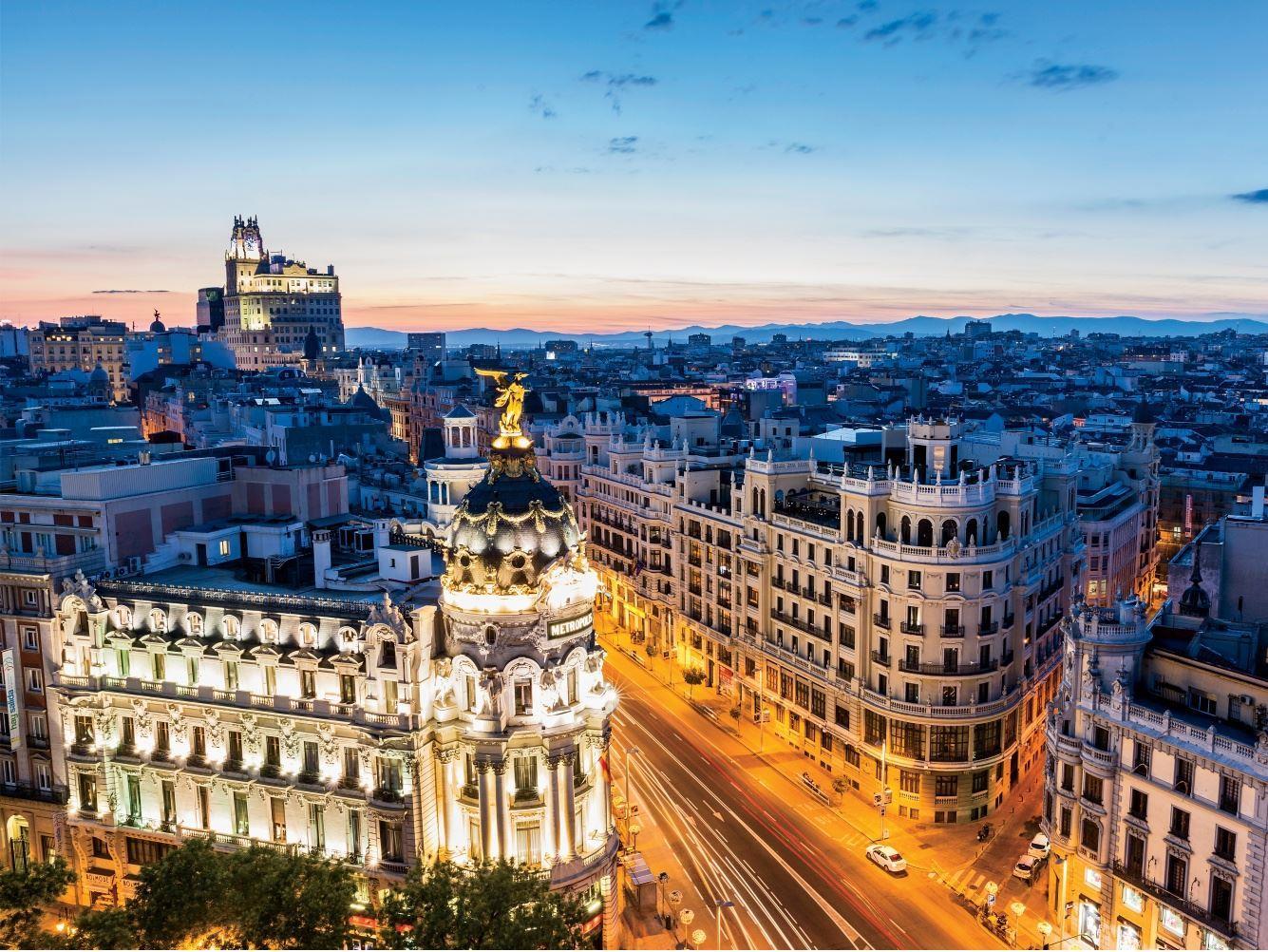 MADRID (2) & BARCELONA (2) Turu Corendon Hava Yolları Özel Seferi ile (Zaragoza gidiş/dönüş)