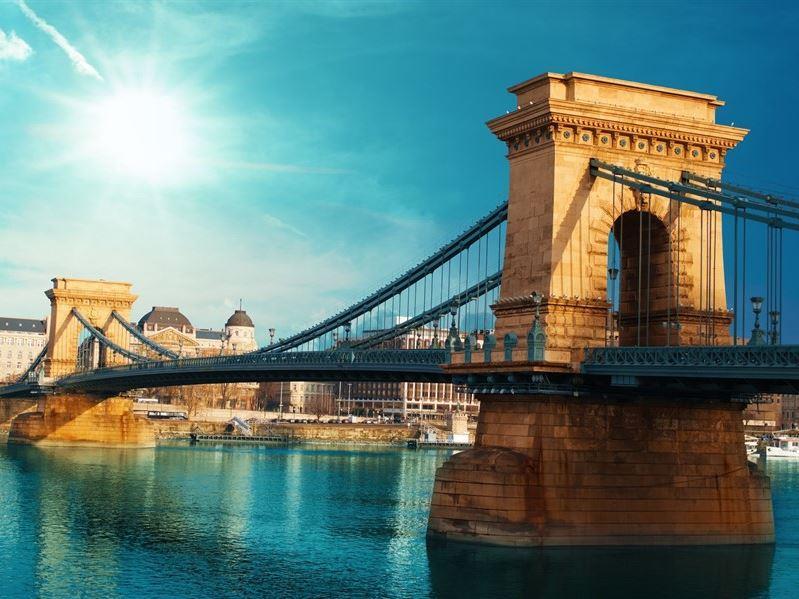 Büyük Orta Avrupa Turu Türk Havayolları İle (Hamburg Gidiş-Budapeşte Dönüş)