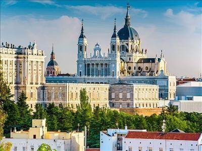 Sömestr Dönemi İspanya Krallığı Turu Pegasus Havayolları İle (Madrid Gidiş-Barselona Dönüş)