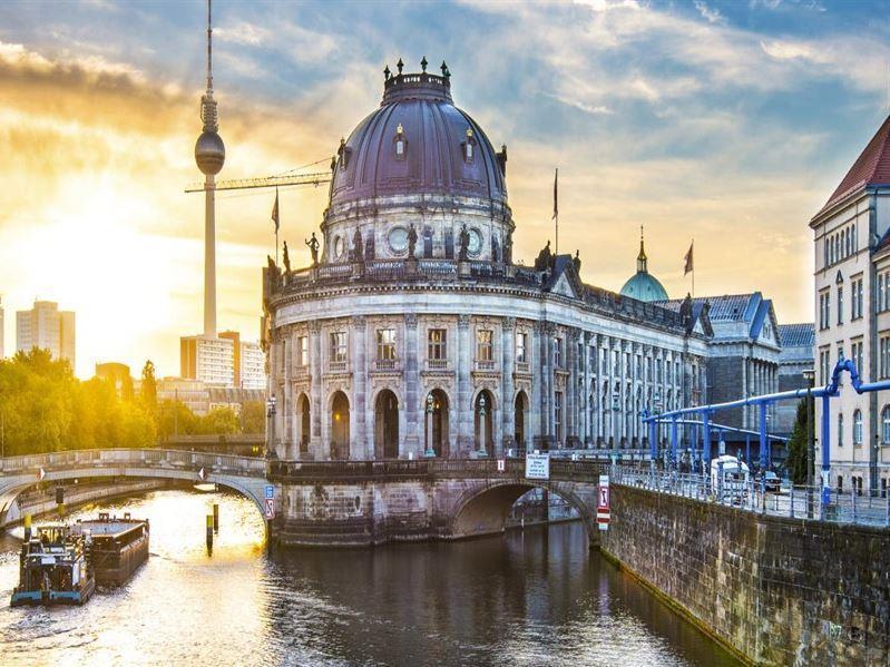 Büyük Orta Avrupa Turu Türk Havayolları İle (Budapeşte Gidiş-Hamburg Dönüş)