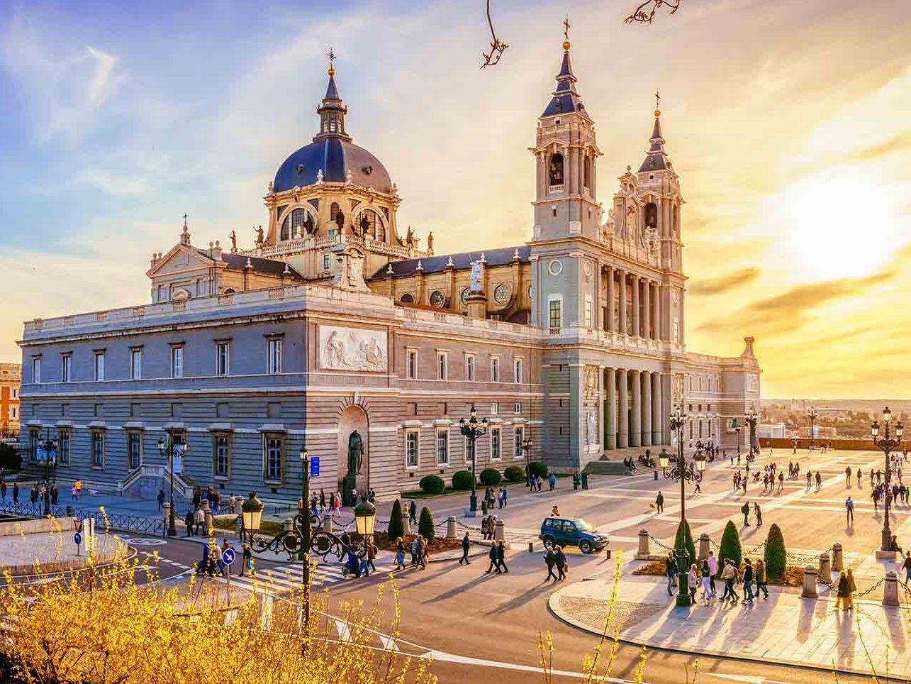 Barselona & Valencia & Madrid Turu 17 Ocak 2020 Hareket…