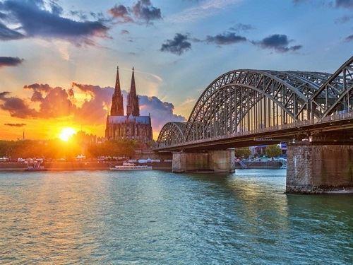 Benelux-Fransa-Almanya Turu Pegasus Havayolları İle (Brüksel Gidiş-Brüksel Dönüş)