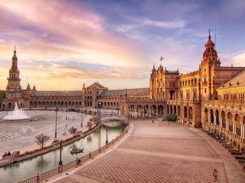 Şeker Bayramı Dönemi Büyük İspanya Turu Pegasus Havayolları İle (Barcelona Gidiş-Barcelona Dönüş)