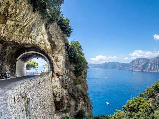 Kurban Bayramı Güney İtalya Turu Pegasus Havayolları İle (Bari Gidiş-Bari Dönüş)