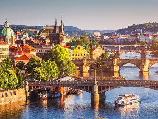 Orta Avrupa Pegasus Havayolları ( Budapeşte-Viyana-Prag )