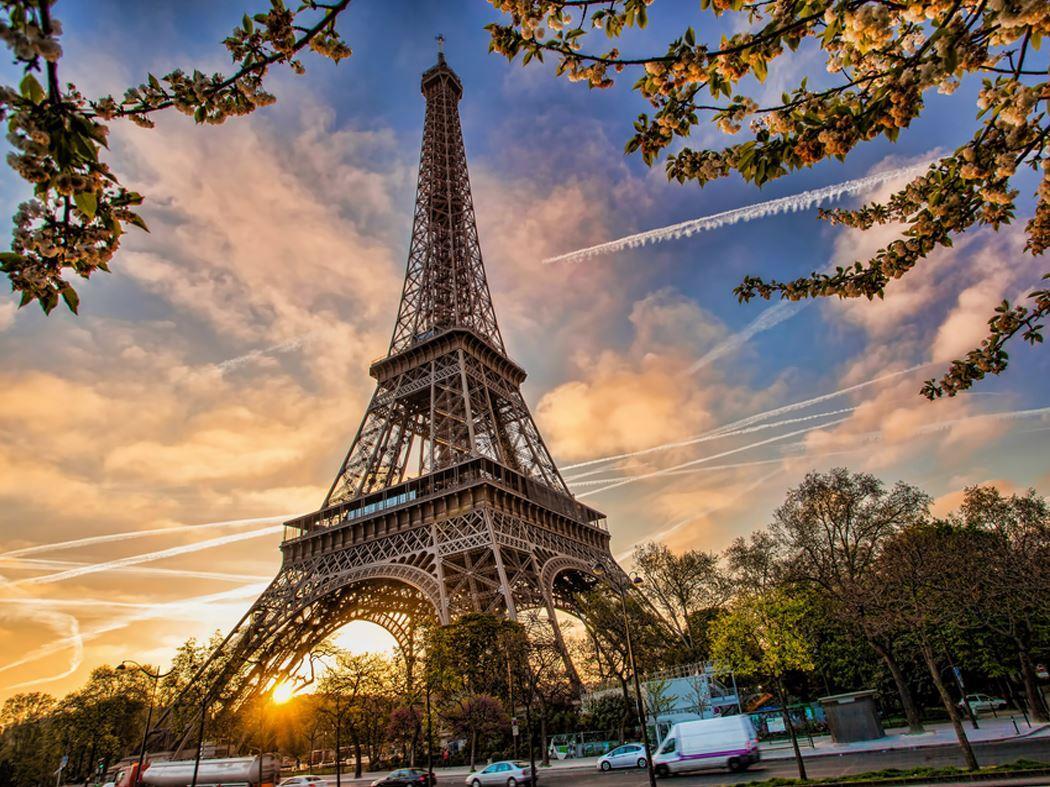 Benelux Paris Turu Atlas Havayolları