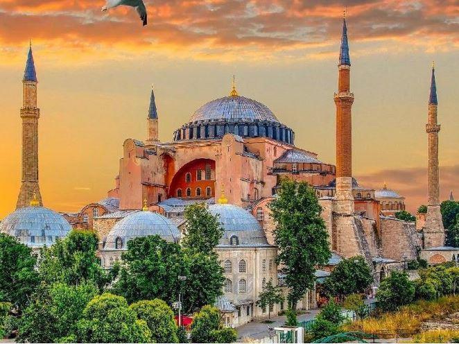 İstanbul Hareketli Günübirlik Ayasofya, Sultanahmet, Gülhane Parkı ve Eyüp Sultan Turu (KAHVALTI ve ÖĞLE YEMEĞİ DAHİL)