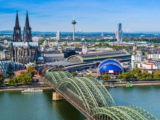 Benelüx & Paris & Köln Turu - Pegasus Havayolları ile 7 Gece 8 Gün (ROTTERDAM UÇUŞ)
