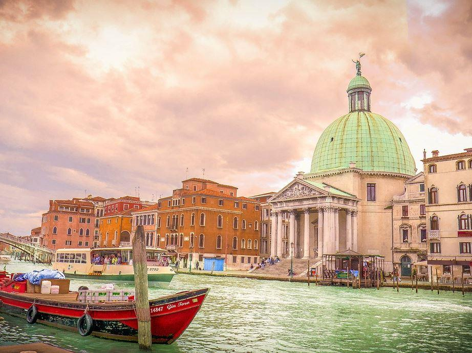 Orta Çağdan Rönesans'a İtalya Turu - Pegasus Havayolları ile 7 Gece 8 Gün (YAZ DÖNEMİ)