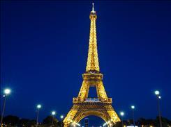 Paris Turu Her Hafta Hareketli