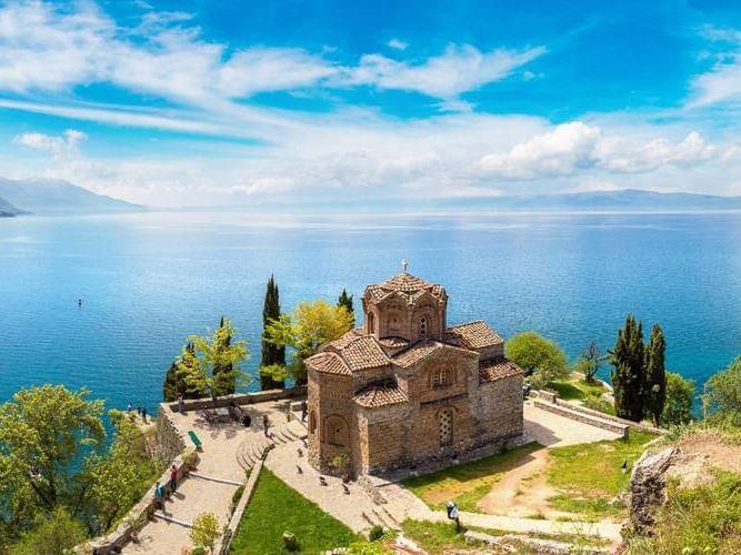 Özel Dizaynlı Lüks Sprinter İle Balkan Üçgeni Turu (Max 8 Kişilik)