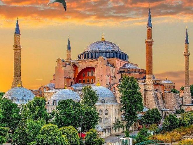 Kayseri Hareketli Ayasofya, Sultanahmet, Gülhane Parkı ve Eyüp Sultan Turu (2 Gece 3 Gün / 1 Gece Konaklamalı)