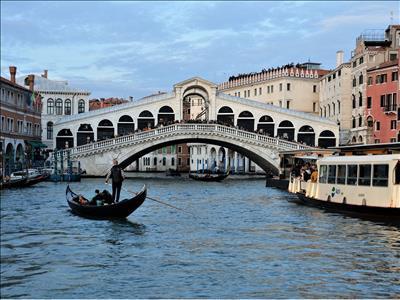 Promosyon İtalya Turu - Pegasus Havayolları ile 7 Gece 8 Gün (Bologna Şehir Turu & Outlet Alışveriş Turu &  Otel Şehir Konaklama Vergileri Dahil)