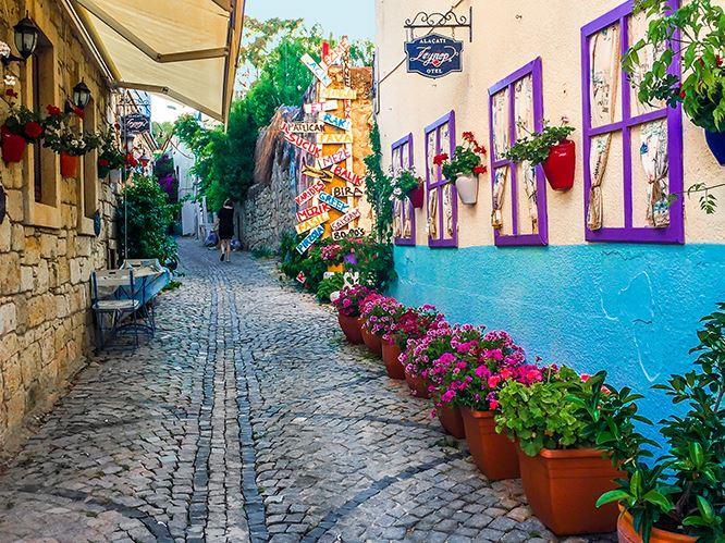 Alaçatı Ot Festivali - Efes Antik Kenti Turu /2 Gece 3 Gün (1 Gece Konaklama)